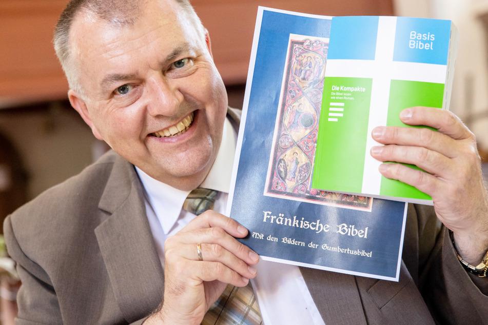 Pfarrer Claus Ebeling (54) ist von seinem Vorhaben überzeugt. Im Jahr 2023 soll die Bibel auf Fränkisch erscheinen.