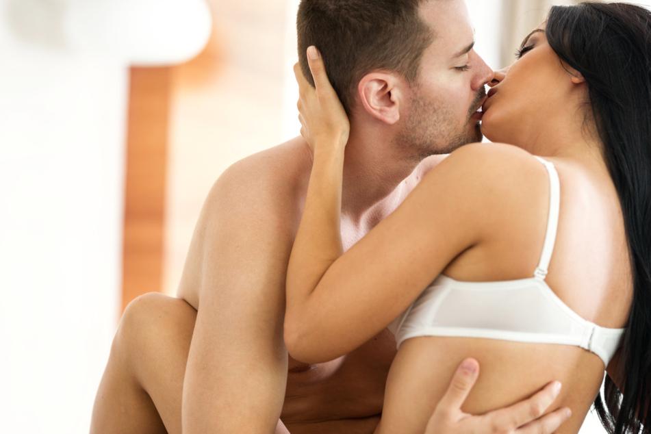 """Influencerin redet oft und gern über Sex: Das hält sie von """"Freundschaft plus"""""""