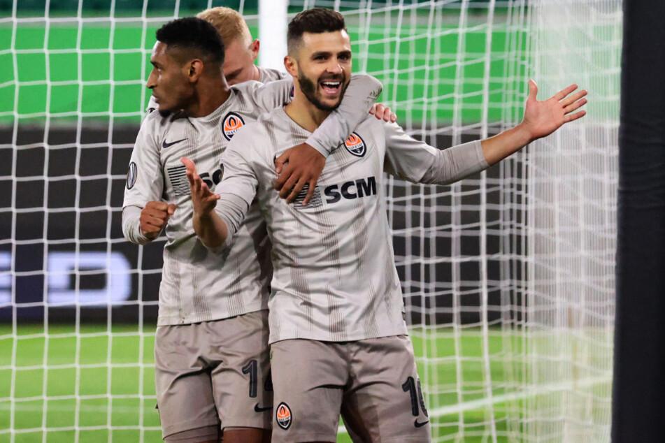Auch in der Ukraine rollt der Ball. Schachtjor Donezk um Junior Moraes verlor nach dem Sieg unter der Woche in Wolfsburg aber am Sonntag.
