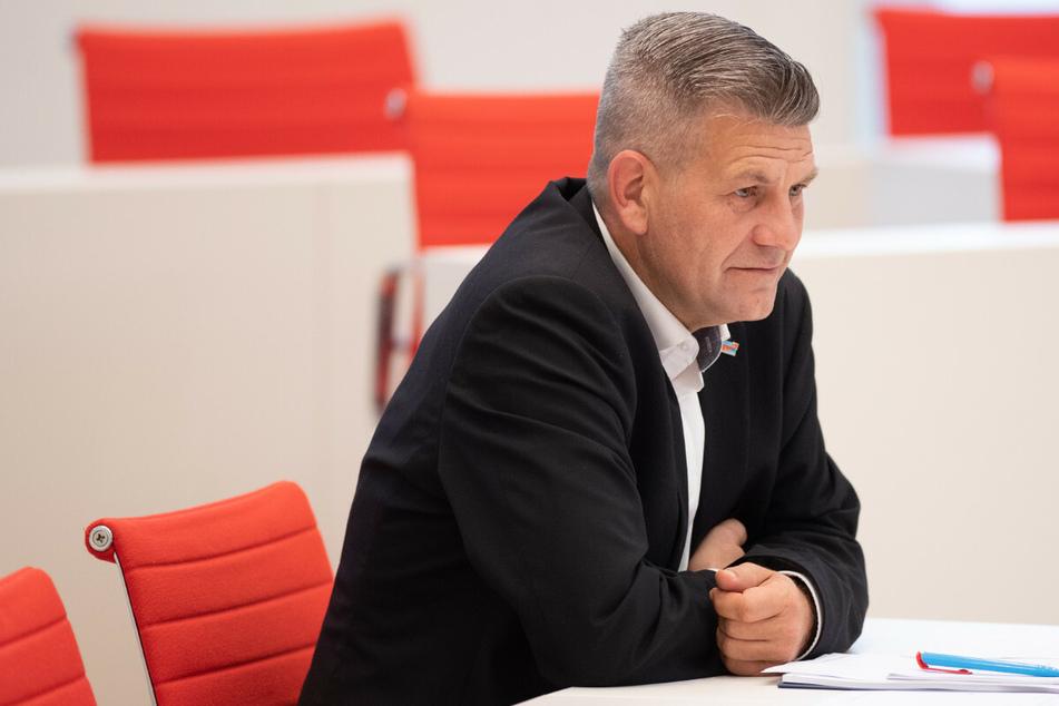 Polizisten bei Corona-Party bedroht? AfD-Politiker von Lützow verweigert Aussage