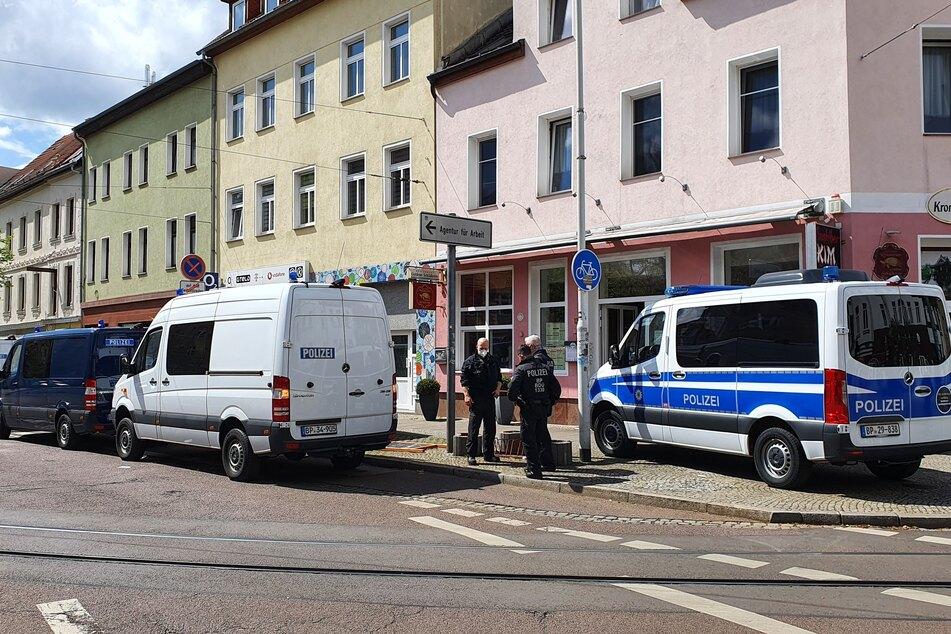 Am Mittwoch rückte die Polizei mit mehreren Einsatzwagen an.