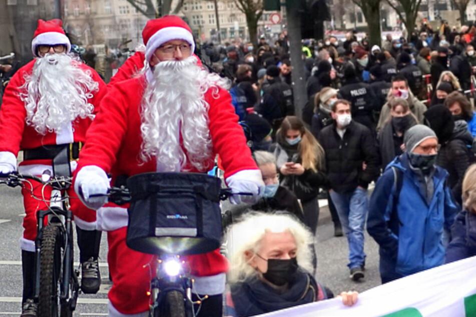"""Hamburg: Hier bekommen Hunderte """"Querdenker"""" Ärger vom Weihnachtsmann"""
