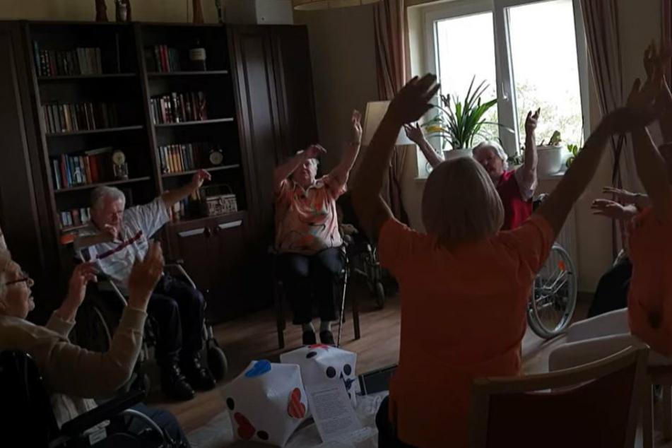 Rammstein-Rentner rocken wieder das Pflegeheim!