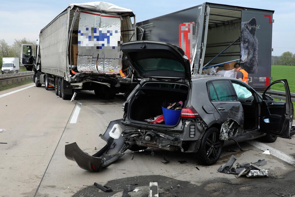 Eine Person wurde durch den Unfall schwer verletzt, eine weitere erlitt leichte Verletzungen.