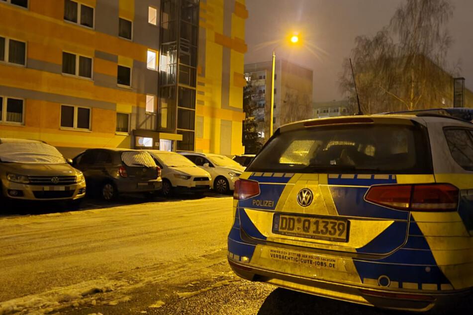 In einem Plattenbau an der Heilbronner Straße in Leipzig-Grünau nahmen Einsatzkräfte der Polizei am Donnerstag einen 29-Jährigen fest.