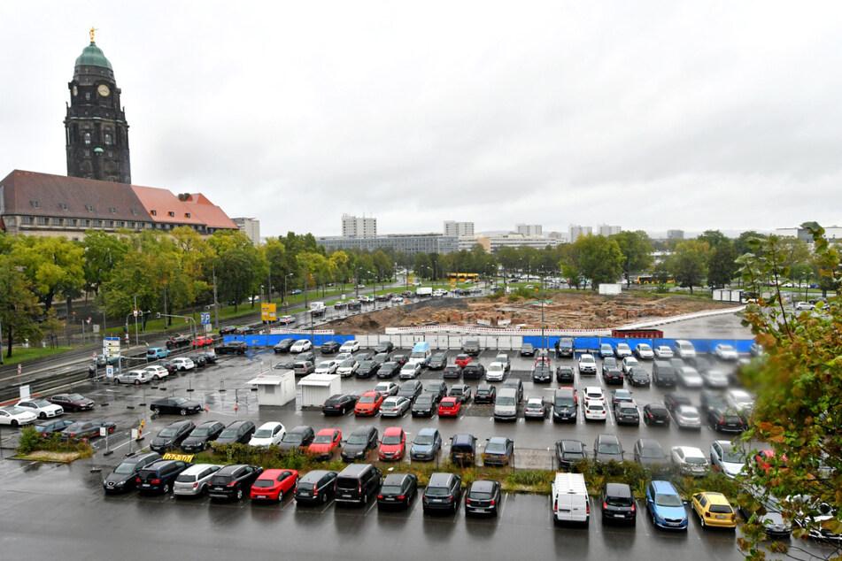 Wie hier am Ferdinandplatz verschwinden in Dresden viele Parkplätze ohne Ersatz.