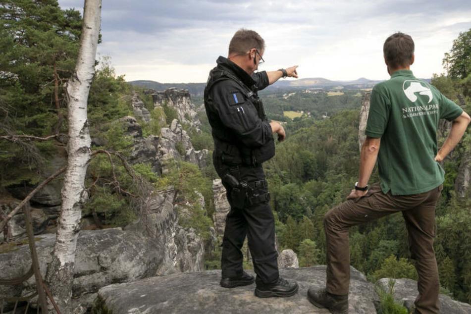 Mit Helikopter und Bodentrupps: Polizei und Nationalpark auf Jagd nach Zündlern