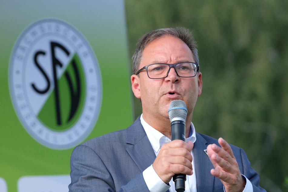 Hermann Winkler (57) ist nicht nur der Präsident des Sächsischen Fußball-Verbandes, sondern auch Vizepräsident des Deutschen Fußball-Bundes (DFB). (Archivbild)