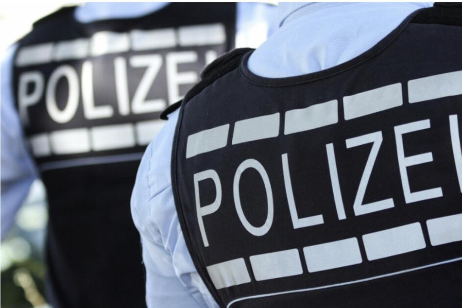 Die Polizei traf das Pärchen noch im unbekleideten Zustand an und ermittelt nun wegen Erregung öffentlichen Ärgernisses. (Symbolbild)