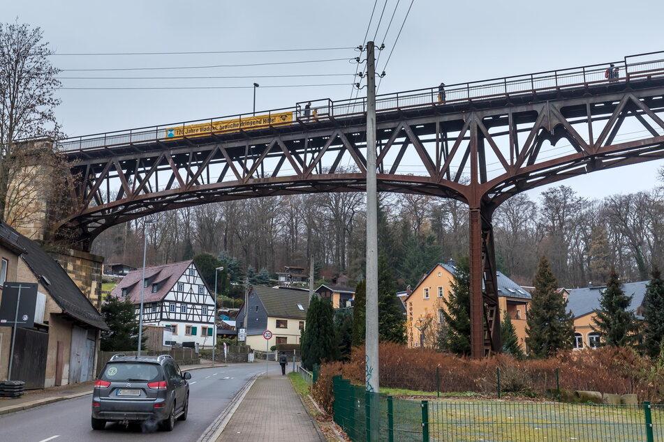 Der Weg übers Rabensteiner Viadukt wird gern von Wanderern und Radfahrern genutzt. Offiziell eingetragen ist er nicht.