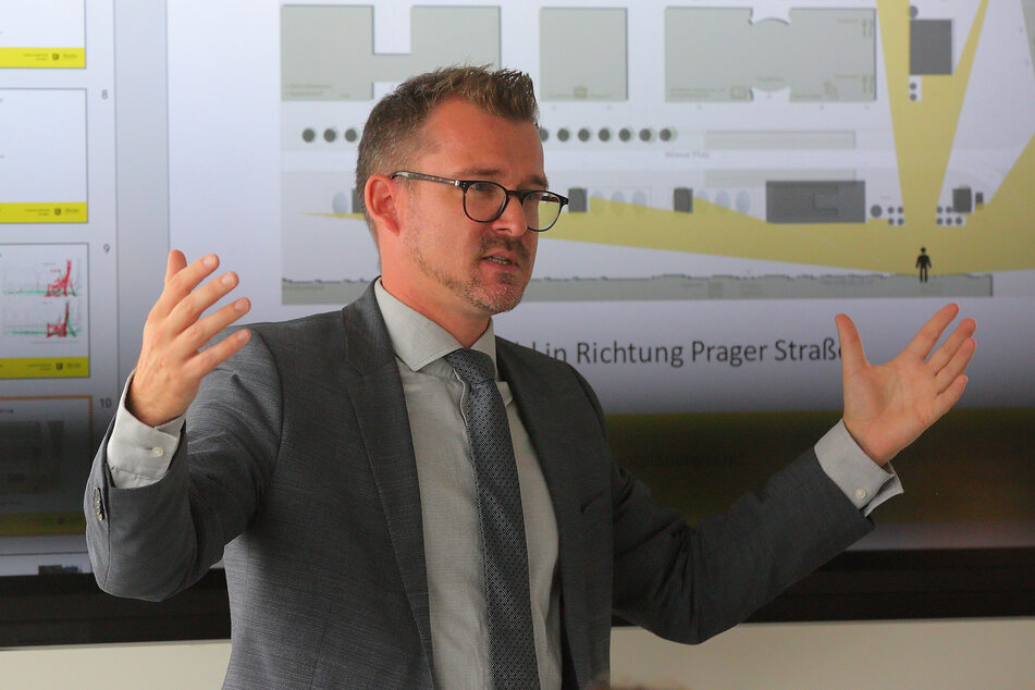 Wurde vom OB zurückgepfiffen: Verkehrsbürgermeister Raoul Schmidt-Lamontain (43, Grüne).