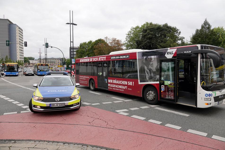 Auf der Kreuzung Bahnhofstraße/Waisenstraße kam es wegen dem Mann zum Verkehrschaos.