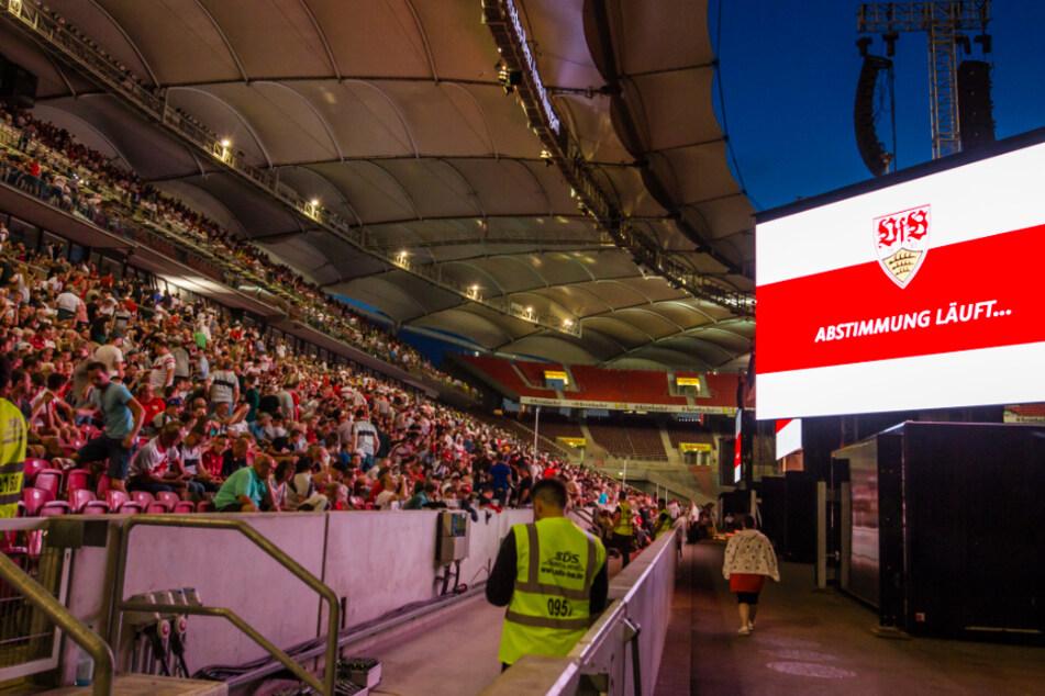 Bei der Abstimmung für die Ausgliederung der VfB-Profiabteilung zur AG soll nicht alles rechtens gewesen sein.