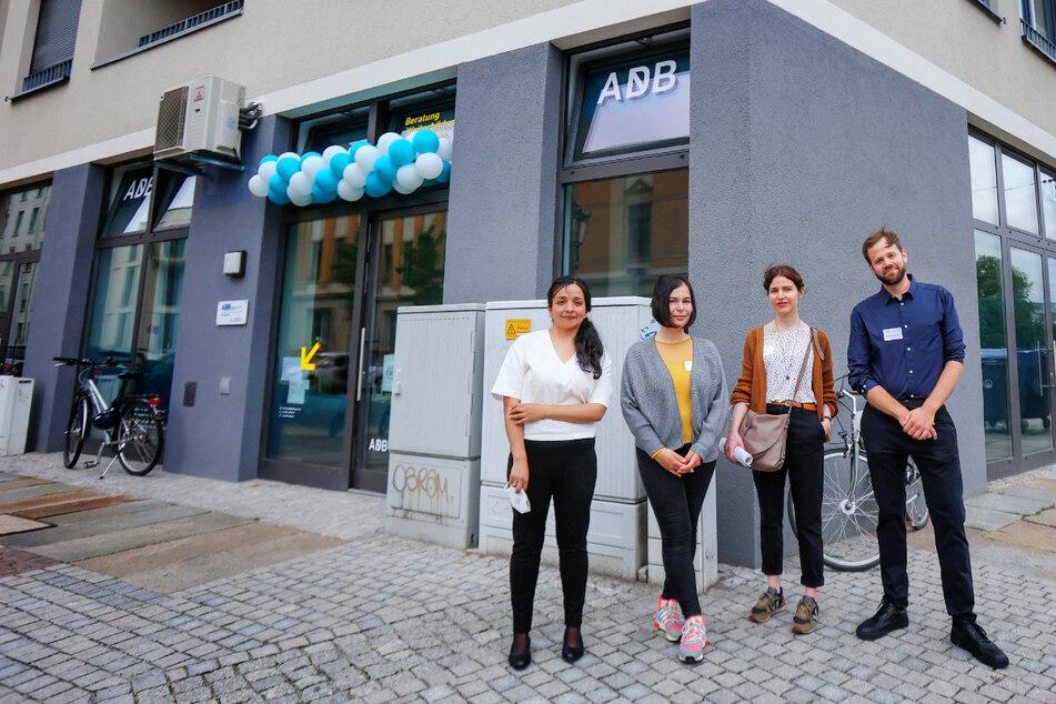 """Beratungsstelle am Bahnhof Mitte: Das Team des """"Antidiskriminierungsbüros Sachsen"""" mit Gregor Gondecki hilft jetzt in Dresden diskriminierten Menschen."""