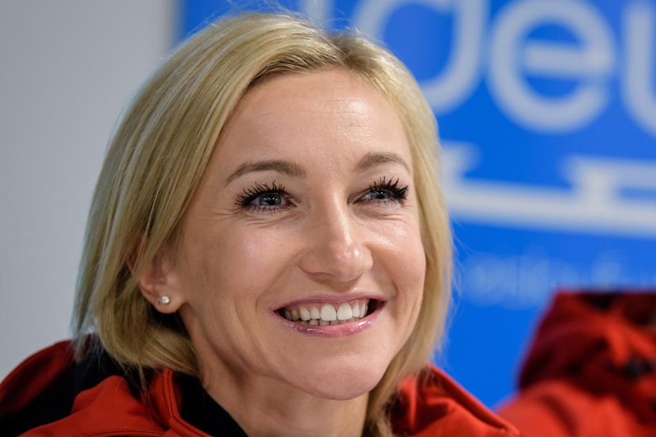 Eiskunstlauf-Olympiasiegerin AljonaSavchenko (36) bringt ihr erstes eigenes Buch auf den Markt.