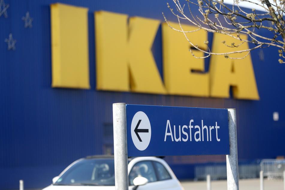 """Das Einrichtungshaus Ikea sieht für die """"Pinky Gloves"""" keinen sinnvollen Verwendungszweck. (Symbolbild)"""