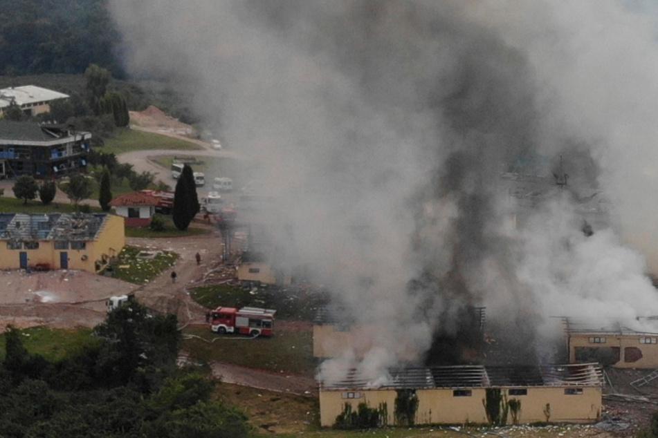 Nach heftigen Explosionen in Feuerwerksfabrik: Mehrere Tote bei Aufräumarbeiten