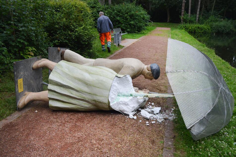 Die Figuren der Kunstinstallation wurden in Wesel ebenfalls zerstört.