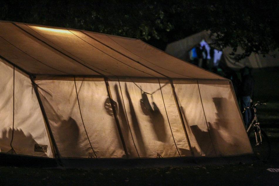 Für die Teilnehmer des Klimacamps Aachen gibt es trotz mehrerer mutmaßlicher Verstöße gegen Corona-Auflagen nach Angaben der Stadt eine weitere Chance.