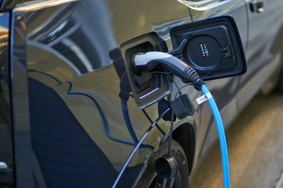 Jeder vierter Antrag auf die E-Auto-Kaufprämie wurde in Sachsen nicht genehmigt (Symbolbild).