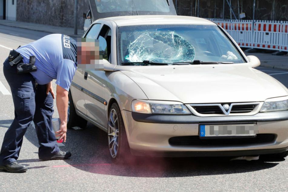 Fußgänger in Chemnitz von Opel erfasst und schwer verletzt
