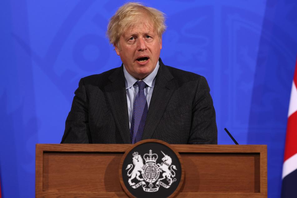 Der britische Premierminister Boris Johnson (56) bei einer Pressekonferenz am Montag.