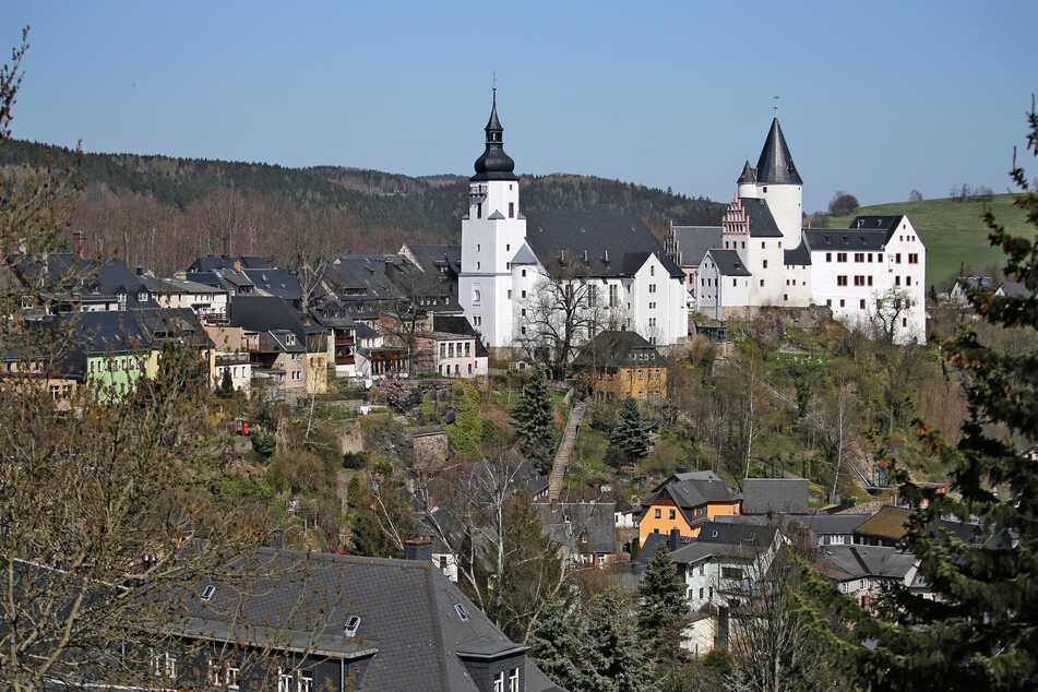 In den vergangenen Jahren haben Hochwasser am Schwarzwasser in Schwarzenberg Schäden angerichtet. Diese werden nun behoben. (Archivbild)