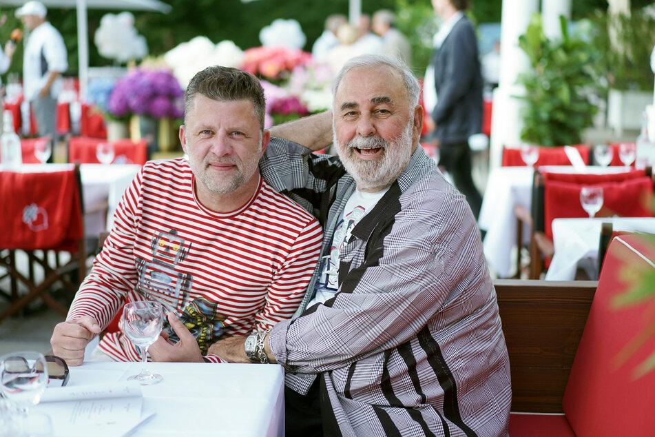 Der im Alter von 76 Jahren verstorbene Friseur Udo Walz (r.) und sein Ehemann Carsten Thamm-Walz (50).