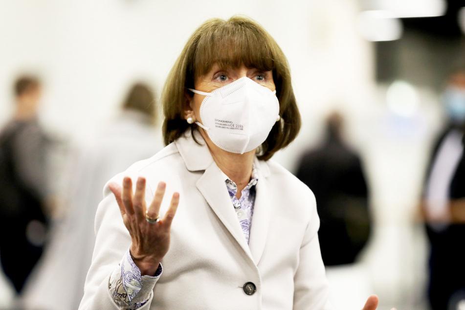 Kölns Oberbürgermeisterin Henriette Reker (64, parteilos) rief die Bürger auf, sich an die neuen Beschränkungen zu halten.
