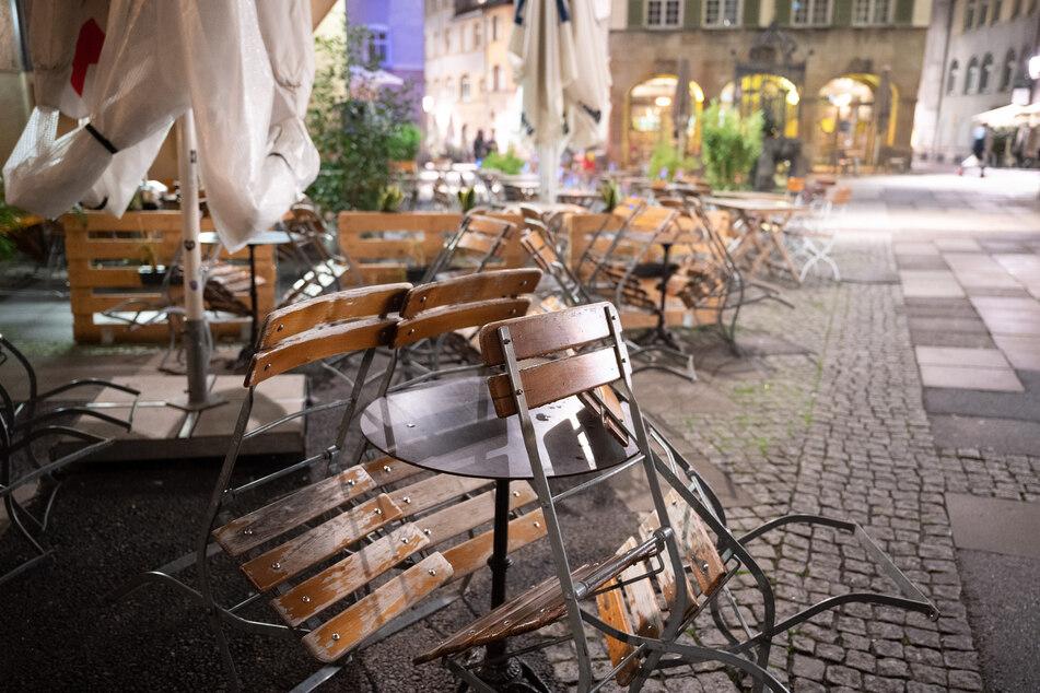 Wie in vielen anderen Städten Deutschlands gilt auch in Stuttgart zurzeit eine Sperrstunde von 23 bis 6 Uhr.