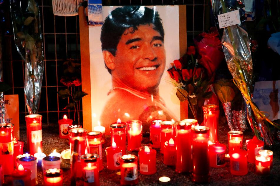 Fans auf der ganzen Welt verabschiedeten sich würdevoll von ihrem Idol Diego Armando Maradona.