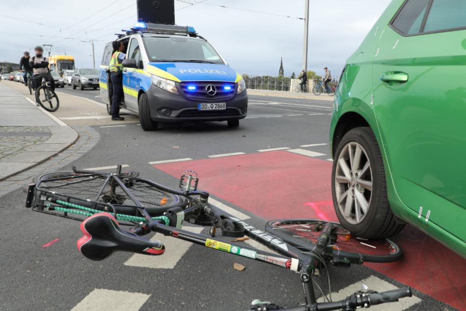 74-Jähriger übersieht Radfahrer an Albertbrücke und verletzt ihn schwer