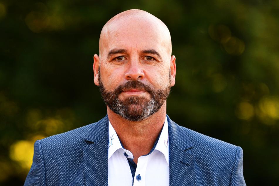 Eislöwen-Coach Rico Rossi (55) will den Druck auf die Kassel Huskies mit einem guten eigenen ersten Drittel erhöhen.