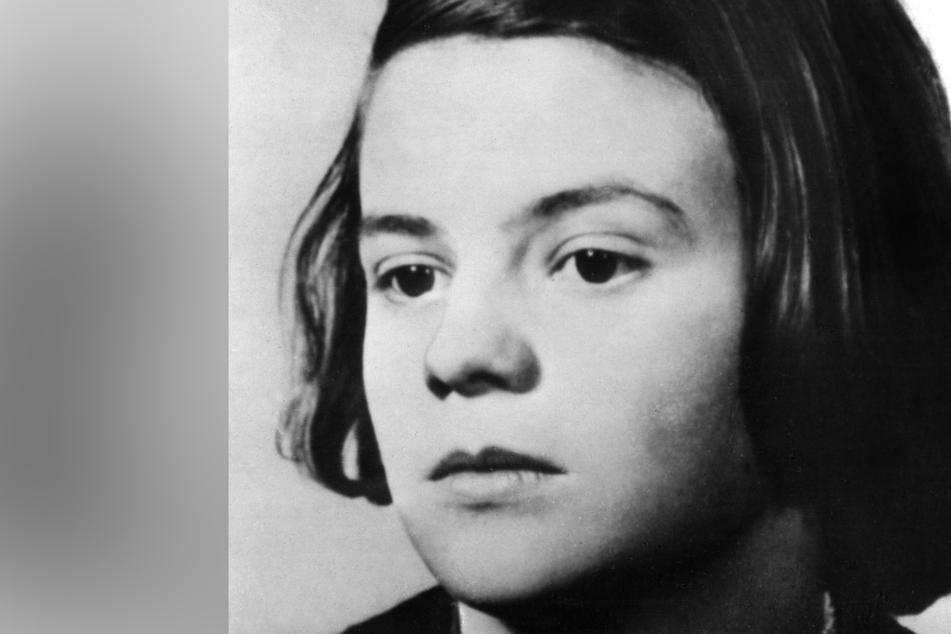 """Das undatierte Foto zeigt Sophie Scholl, Mitglied der """"Weißen Rose"""". In Flugblättern prangerte die Widerstandsgruppe die Verbrechen der Nationalsozialisten an."""