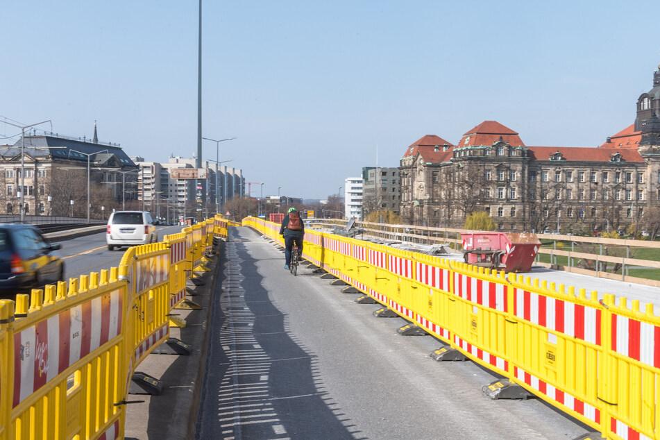 Es fehlen ein paar Arbeiter, auf der Carolabrücke wird dennoch weitergebaut.
