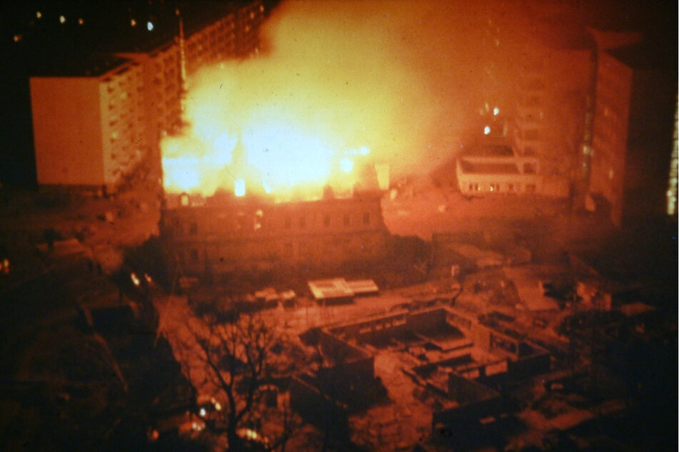 Lichterloh brannte das Schloss 1980 aus.