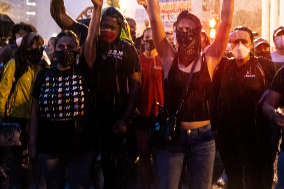 Protest in den USA: Das Foto zeigt Demonstranten in der Nähe des Weißen Hauses in Washington.