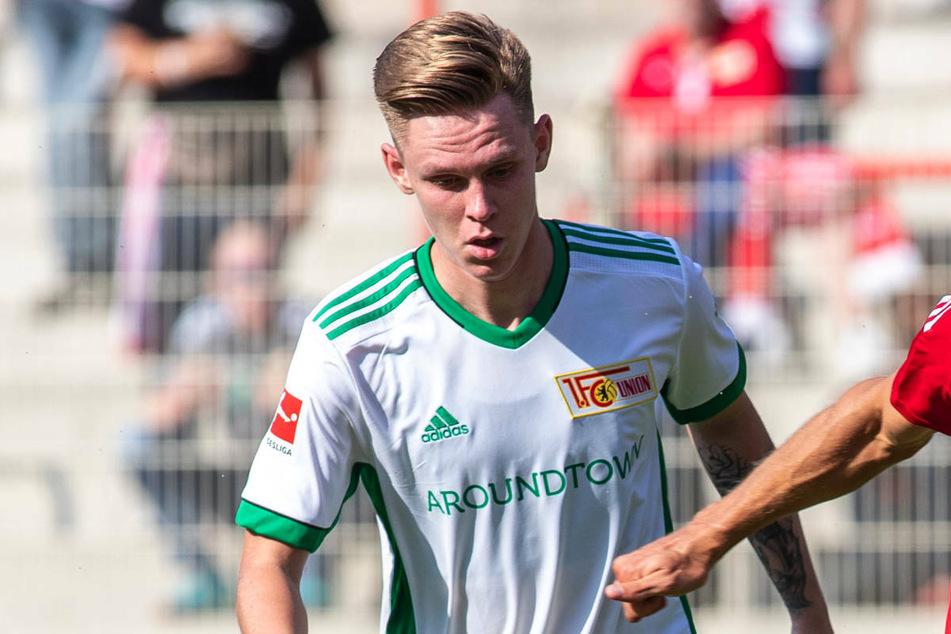 Julius Kade (22) bei einem Testspiel für Union Berlin. Der Mittelfeldspieler hat am Montag bei der Anreise ins Trainingslager gefehlt.