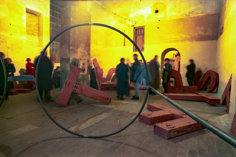 """Ausgefallene Ausstellungen wie diese brauchten """"VOXXX""""-Besucher nicht mit der Lupe suchen."""