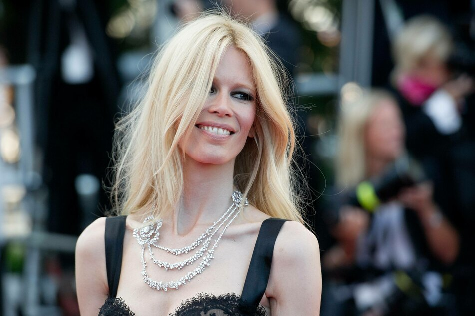Claudia Schiffer (50) is now available as a Barbie doll.