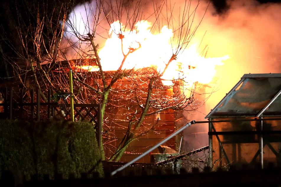 Chemnitz: Brandstiftung! Gartenlauben in Chemnitz abgefackelt