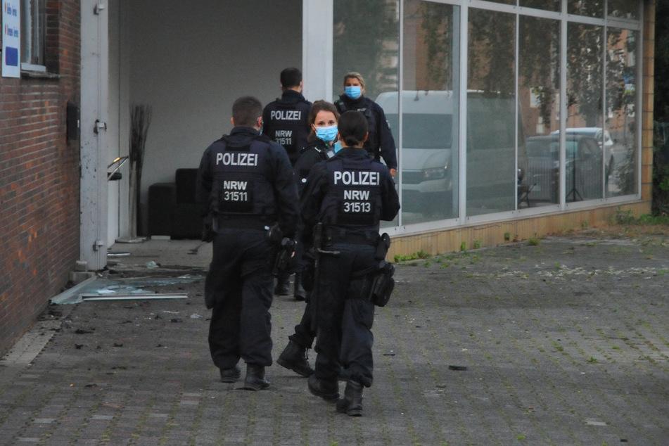 Spezialeinheiten durchsuchten am Donnerstagmorgen 20 Gebäude in Nordrhein-Westfalen.