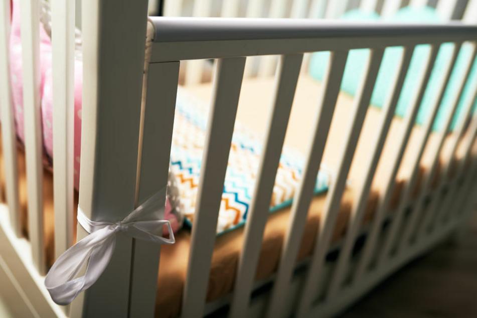 Ein Hund hat ein kleines Baby mitten in der Nacht im Kinderzimmer getötet. (Symbolbild)