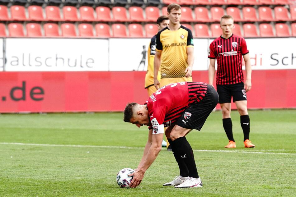 Stefan Kutschke (32) traf im Hinspiel der abgelaufenen Saison für den FCI gegen Dynamo vom Elfmeterpunkt zum 1:0-Sieg. Das Rückspiel gewann Dresden mit 4:0.