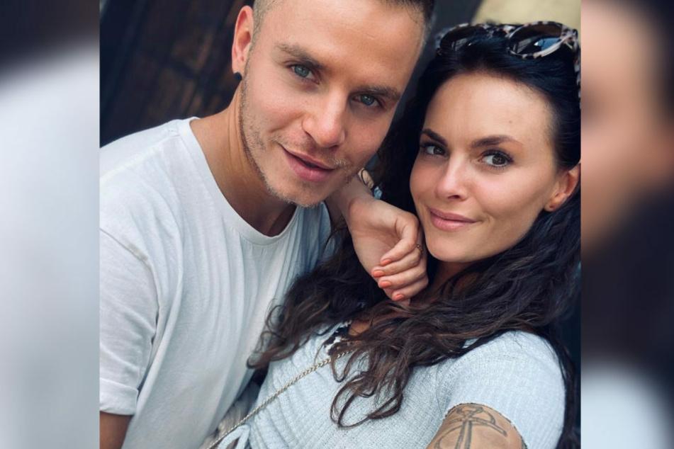 Henning Merten (31) und Denisé Kappés (30) sind schon seit über einem Jahr glücklich liiert. Nun wagte der Influencer den nächsten Schritt und machte seiner Angebeteten einen Heiratsantrag vor laufender RTL-Kamera.