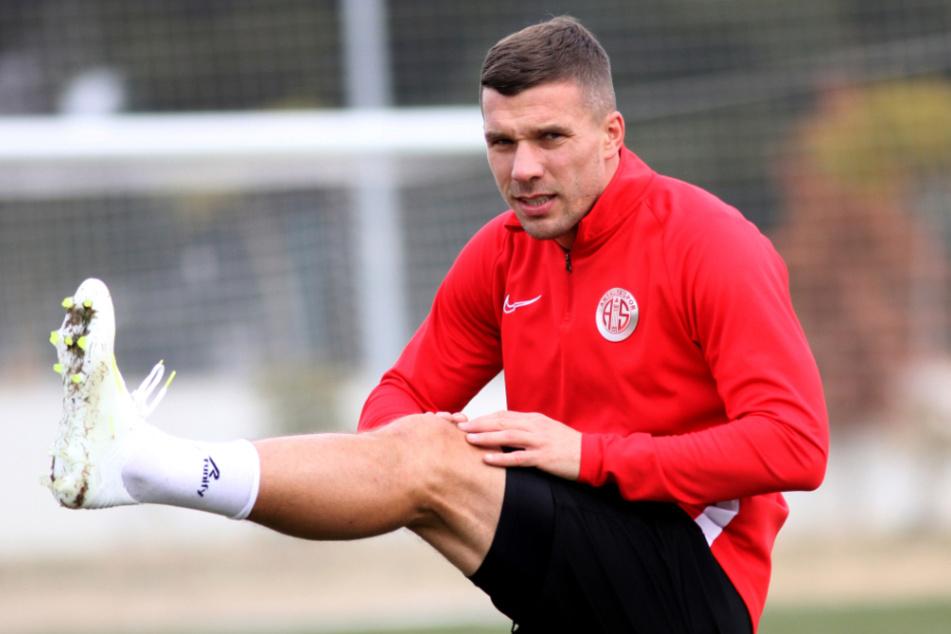 Lukas Podolski sorgt mit Grusel-Video für Gänsehaut
