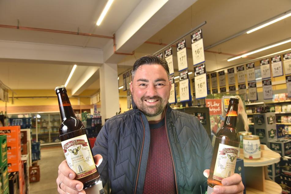 """Bier-Erfinder und Getränkehändler Alexander Frenzel (37) sucht noch das passende Etikett für sein """"Rotkopf Görg""""-Bier."""