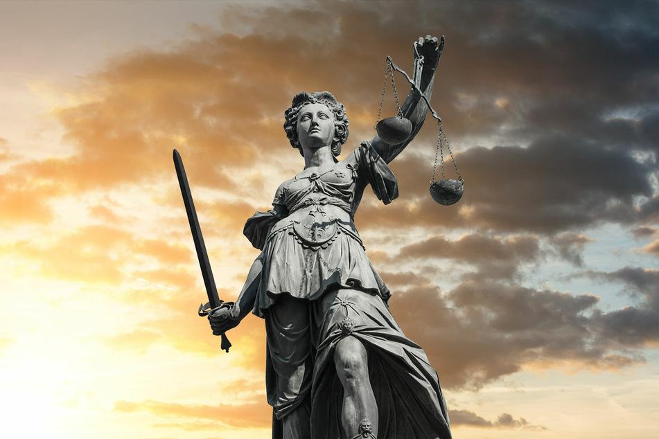 Justitia, die Göttin der Gerechtigkeit (Foto: 123RF/rclassenlayouts)