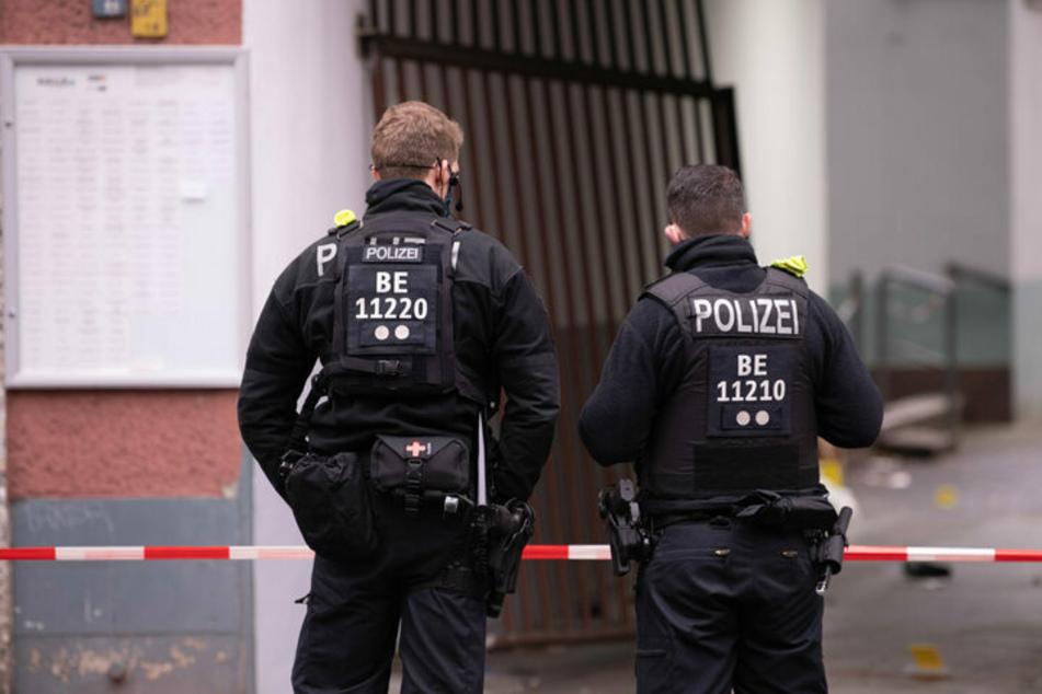 Am frühen Morgen des zweiten Weihnachtstages 2020 fielen vor der Einfahrt zu einem Haus an der Stresemannstraße in Kreuzberg Schüsse.