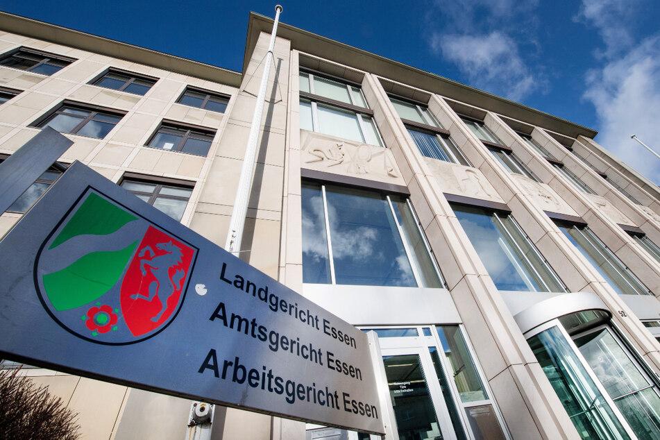 Ein 43-Jähriger steht vor Gericht in Essen. (Archivbild)